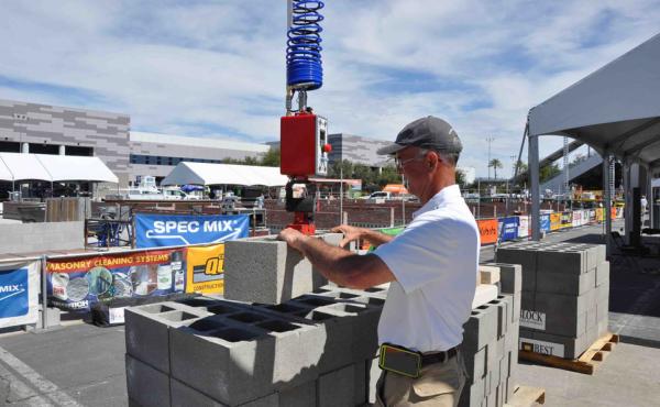 Best Block 8 x 32 CMU weighs on the Construction Robotics MULE